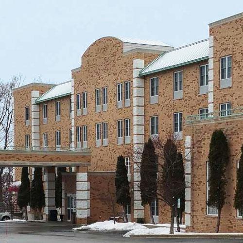Comfort Inn Amp Suites Milwaukee Grafton Grafton Wi Aaa Com