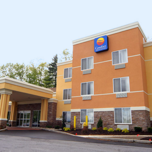 Comfort inn suites saratoga springs ny for Saratoga springs pet friendly hotels