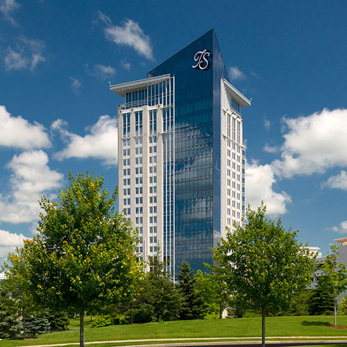 The tower hotel at turning stone resort verona ny - Hotels in verona with swimming pool ...