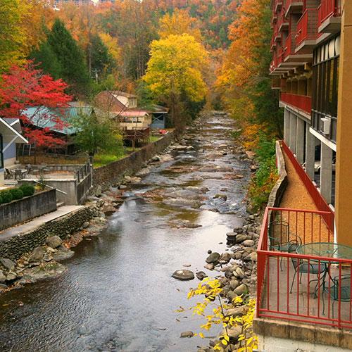 Baymont Inn Suites On The River Gatlinburg Tn
