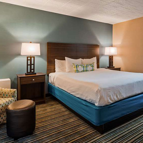 Aaa Travel Guides Hotels Woodhaven Mi