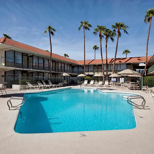Ramada mesa mezona hotel mesa az for Public pools in mesa az