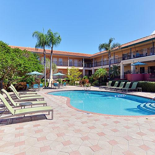 Holiday Inn Suites Tampa North Busch Gardens Tampa Fl