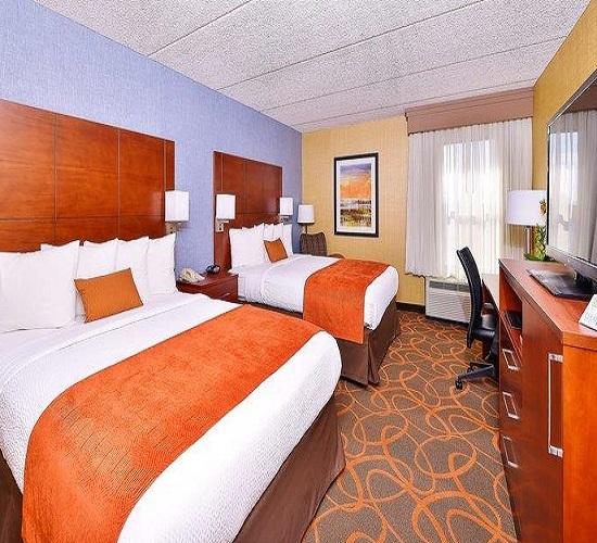 Best Western Plus Fresno Airport Hotel - Fresno CA