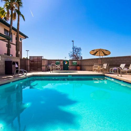 Best western superstition springs inn mesa az for Public pools in mesa az