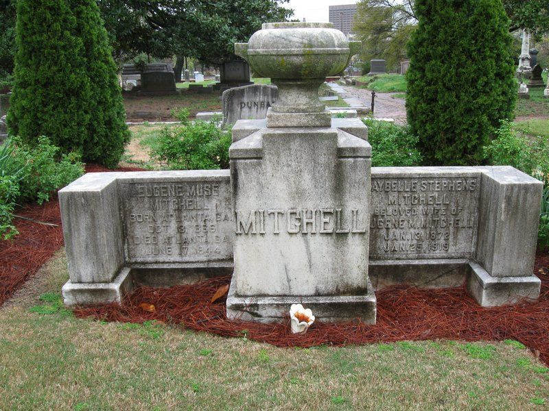 "cemeteries, graves of notable persons (""Gone With the Wind"" author Margaret Mitchell)"