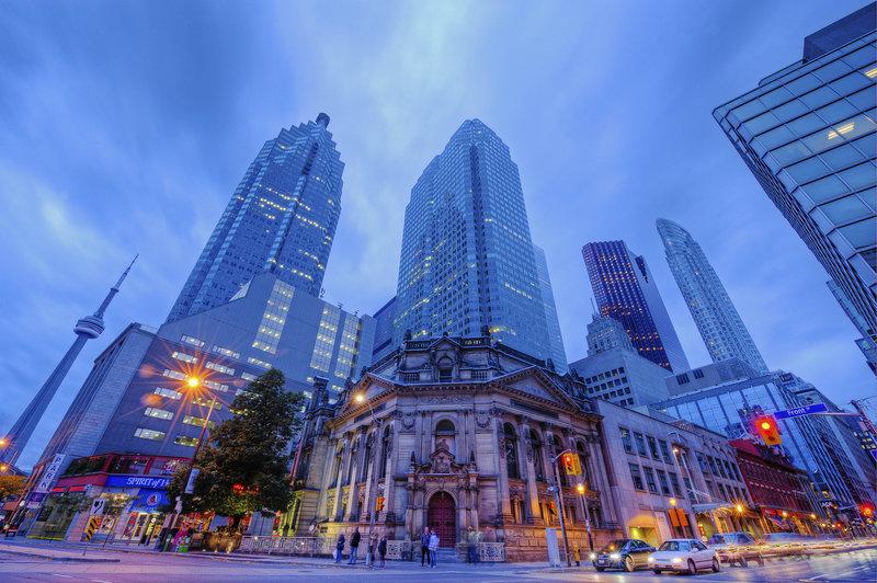4901ecbb3ade AAA Travel Guides - Toronto